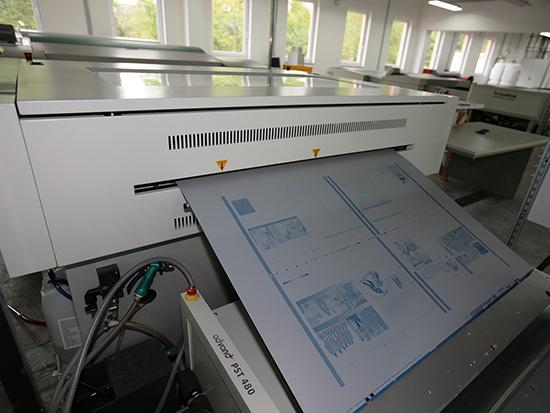 Druckplatten im Belichter