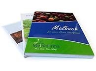 Handbücher und Taschenbücher in verschiedenen Formaten
