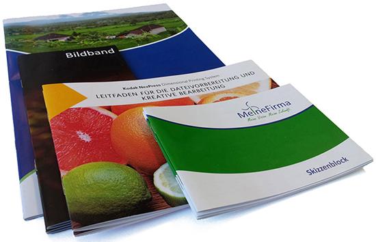 Klassische Zeitschriften als geheftete Broschüren mit bis zu 96 Seiten