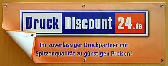 PVC-Banner mit versäumten Rändern und Ösen